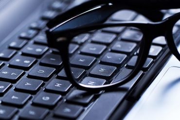 akiniai ir kompiuteris