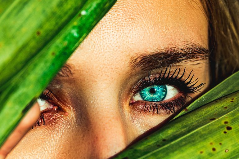 ryškios akys